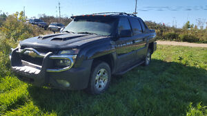 2004 Chevrolet Avalanche Loaded Pickup Truck