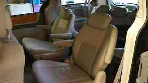 2010 Chrysler Town & Country Limited Strathcona County Edmonton Area image 5