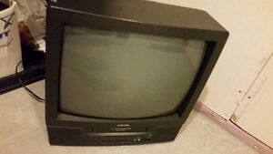 TOSHIBA TV VCR COMBO FOR SALE WITH