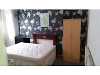 Bed rooms available, BILLS INCLUDED,Salford, close to city centre,univesity transport all amenaties,