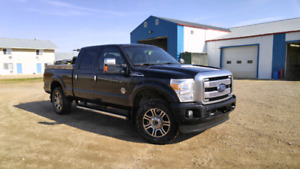 2014 F350 Platinum Diesel fully loaded