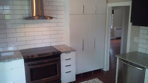 LARGE & BRIGHT 1000sq.ft. RENOVATED 2 BED - Uptown Waterloo