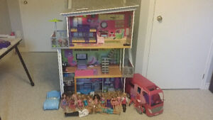 Barbie house and dolls. Peterborough Peterborough Area image 1