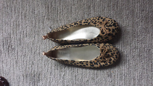 Girls shoes size 2. Brand new