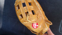 TWO AWESOME GLOVES !!! WILSON & RAWLINGS TWO BASEBALL GLOVES !
