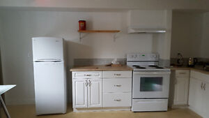 Electric range / oven in white