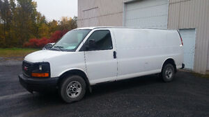 2007 GMC Savana allonger Fourgonnette, fourgon