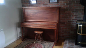 piano antique