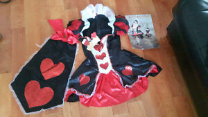 Womens queen of hearts costume size medium/large