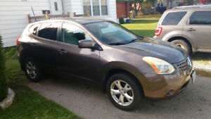 2008 Nissan Rogue SL AWD  . Including winter tires on rims