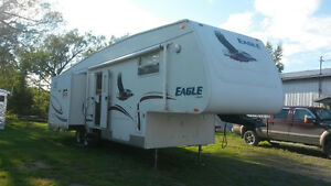 2005 Jayco Eagle fifth wheel with 3 slides