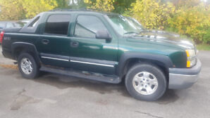 2004 Chev Avalanches
