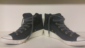 Converse Chuck Taylor All Star Hi Ness Shoes size 10