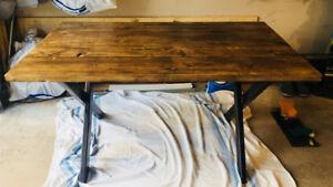 Table de cuisine 750 $ NEGO