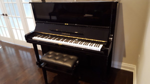 Excellent YAMAHA piano for sale