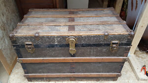 Antique steamer / storage trunk