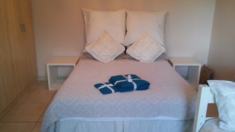 B&B  cottage  self catering Blouberg close to beach