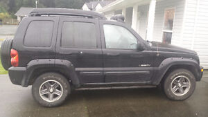2004 Jeep Liberty Renegade 3.7L 4x4 SUV, Crossover Campbell River Comox Valley Area image 2