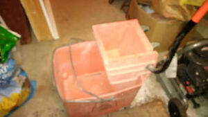 Mop bucket, wringer and mop handle