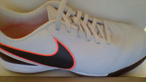 Nike Tiempo Legend VI - Brand New - Size 6Y or Size 8W