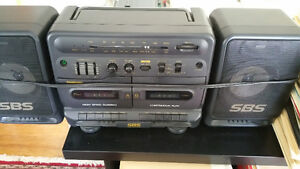 PORTABLE RADIO/TWIN TAPE PLAYER RARE VINTAGE ‎SAMSUNG PD-650C‎