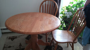 Like new two chair with table