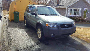 2005 Ford Escape $300 IF GONE BE 12PM TODAY