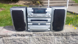 TEAC BRAND STEREO SYSTEM/AM/FM/STEREO/5 DISC C.D PLAYER/RECORD