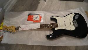 Guitare Fender Stratocaster NEUF 47% RABAIS