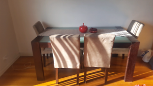 glass/wood solid dining table