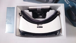Samsung Gear VR + RECEIPT! **Delivery Available** Galaxy S7/S6