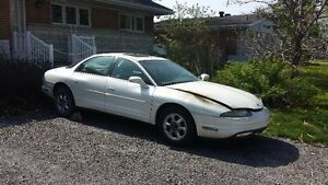 1997 Oldsmobile Aurora Berline  POUR PIECES
