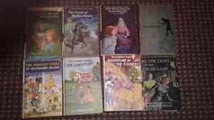 Lot of old Nancy Drew, Hardy Boys and Bobbsey Twins books