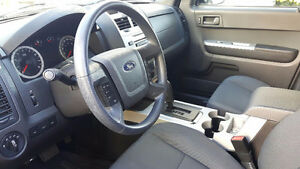 2011 Ford Escape XLT - Very Clean - Safety + E-Test, HWY
