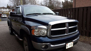2005 Dodge  Ram 1500 5.7L 4X4 CREW CAB FULLY LOADED