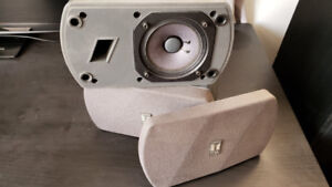 TOA F-150G stereo speakers