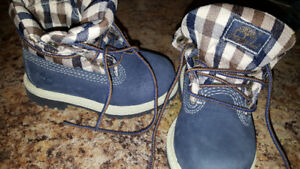 Size 5 infants timberland boots