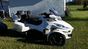 CANAM SPYDER WITH TRAILER