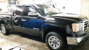 2013 GMC SIERRA WITH ONLY 57,646KM!