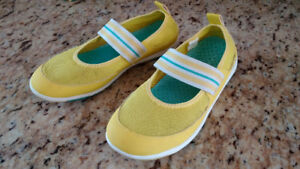 Lands End water shoes, youth size 2