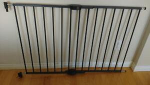 Barrière sécurité enfant pour escaliers