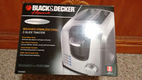 *NEW STILL IN BOX* Black & Decker 2 Slice Toaster