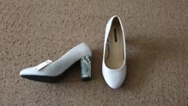 Snake print heel court shoes