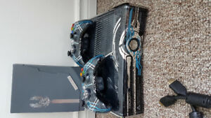 Xbox 360 Halo 4 with collectors edition game and cod blops