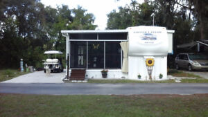 Fifth wheel avec screen room stationnaire Dover Tampa Floride