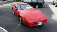 Classic 1987 Chevrolet Corvette removable Hard Top