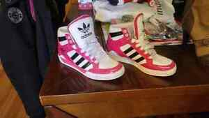 Sz 7 Adidas shoes