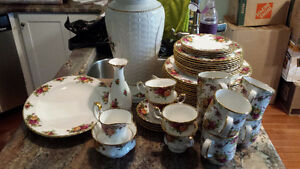 LARGE lot of Old Country Roses China