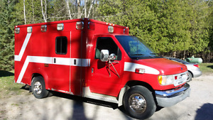 2000 Ford  Emergency Fire Rescue Vehicle - Ambulance -