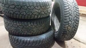 2 sets de pneus sur jantes (été/hiver) 125$ ch.
